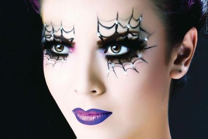 maquillaje de ojos de bruja para halloween trucos - Maquillaje Bruja