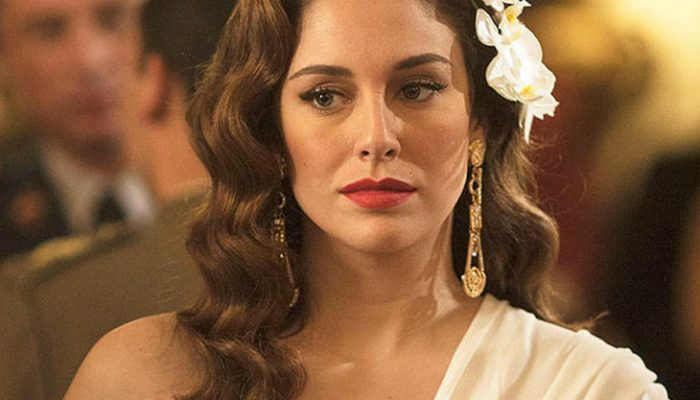 Blanca Suárez derrocha estilo en el primer capítulo de 'Lo que escondían sus ojos'