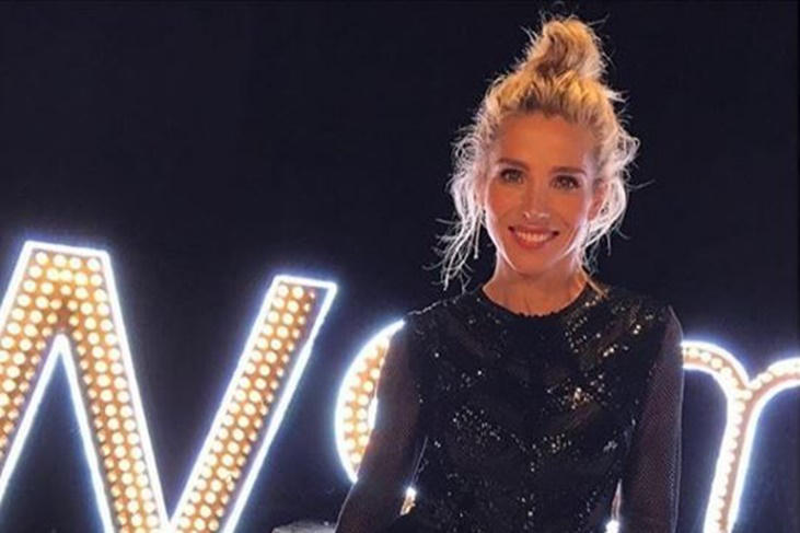 Elsa Pataky transparencias, brillos y peinado casual para Women'Secret