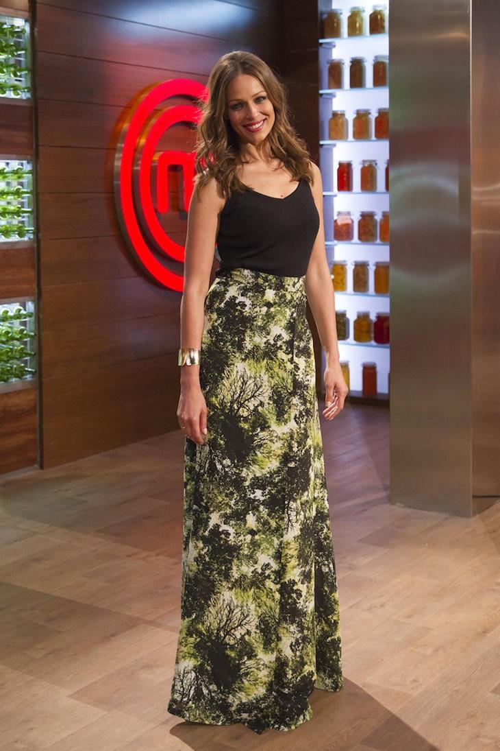 Eva González con falda de Dolores Promesas en MasterChef Celebrity