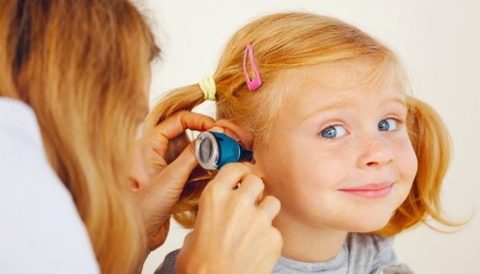 Otitis en niños: Síntomas, tratamiento y remedios caseros
