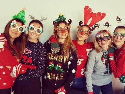 Paula Echevarría y su look navideño celebrando con sus amigas