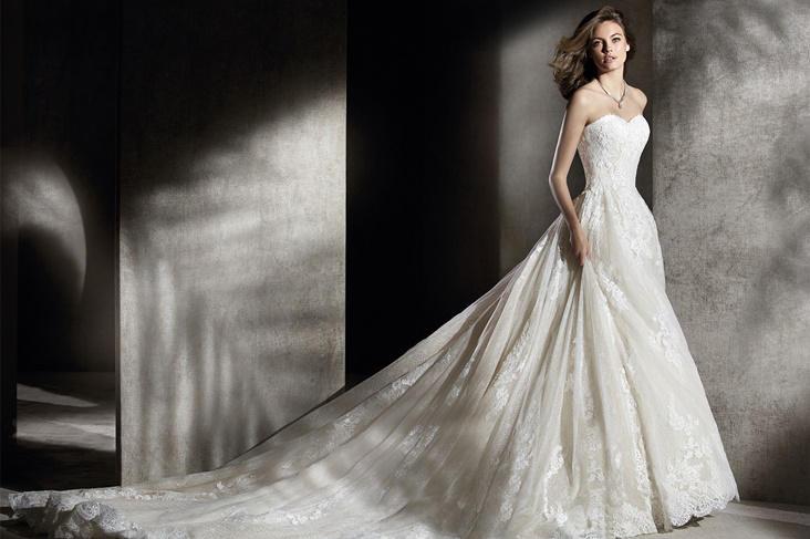 Vestidos de novia palabra de honor 2017, el escote ideal