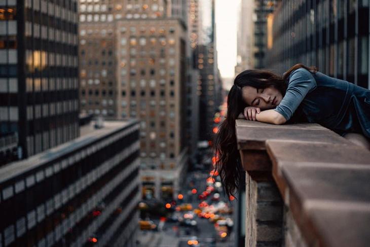 5 trucos para que parezca que has dormido 8 horas