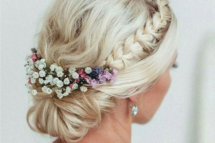 Trenzas para novias los mejores peinados mujeralia for Trenza boda