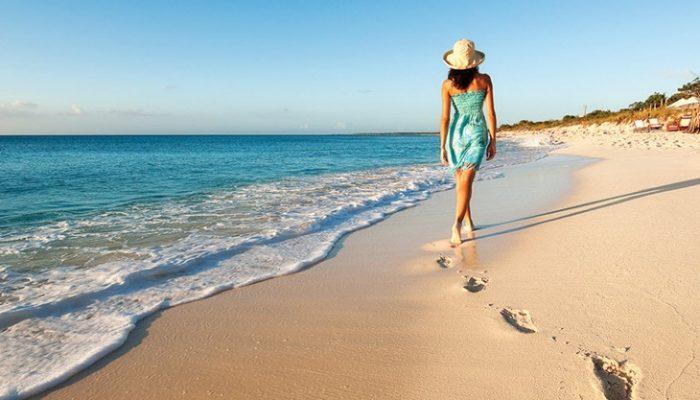 5 beneficios de pasear por la orilla del mar