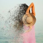 Los 4 enemigos de tu pelo en verano