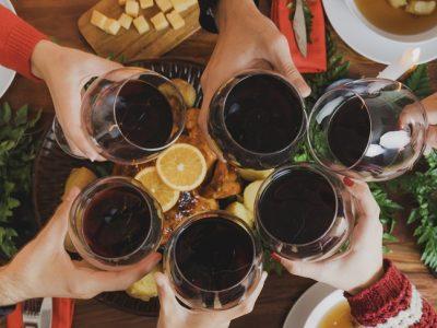 5 ideas increíbles para organizar una cena de Navidad de empresa diferente