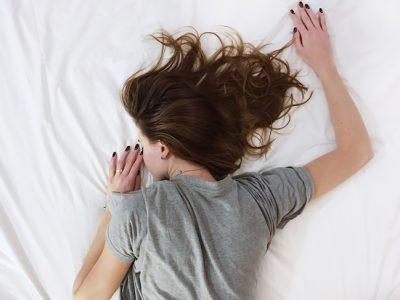 ¿No consigues dormir bien? La solución a tus problemas