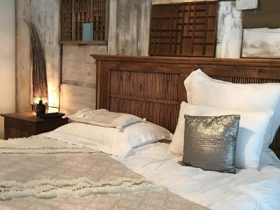 Decorar una habitación en estilo rústico con elementos de madera